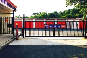 Public Storage - Spring Valley - 203 New Clarkstown Road - Photo 4