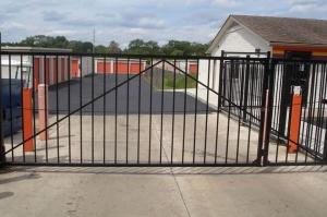 Image of Public Storage - Farmington - 34050 W 9 Mile Road Facility on 34050 W 9 Mile Road  in Farmington, MI - View 4