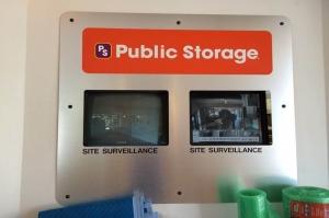 Public Storage - Indianapolis - 933 N Illinois St - Photo 4