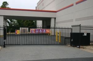 Image of Public Storage - Fairfax - 11199 Waples Mill Rd Facility on 11199 Waples Mill Rd  in Fairfax, VA - View 4