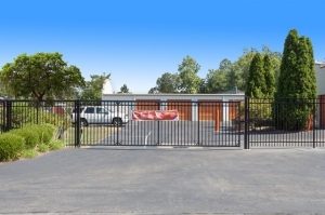 Public Storage - Louisville - 6713 Strawberry Lane - Photo 4