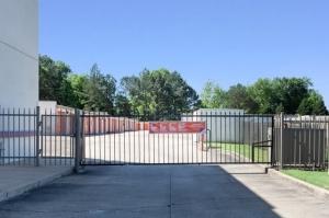 Public Storage - Memphis - 4409 Summer Ave - Photo 4