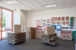 Image of Public Storage - Memphis - 4409 Summer Ave Facility on 4409 Summer Ave  in Memphis, TN - View 3