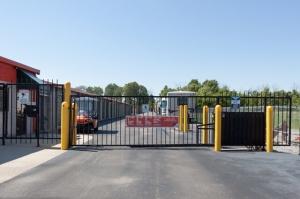 Public Storage - Brownsburg - 1530 W Northfield Dr - Photo 4