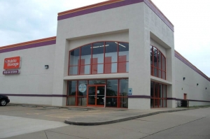 Public Storage - Memphis - 2878 Covington Pike - Photo 1