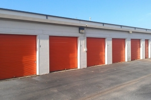Public Storage - Huntsville - 3052 Leeman Ferry Road SW - Photo 2
