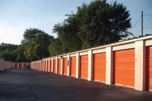 Public Storage - Birmingham - 9856 Parkway East - Photo 2