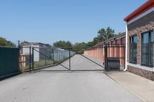 Public Storage - Louisville - 7650 Dixie Hwy - Photo 4