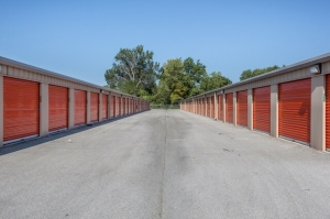 Image of Public Storage - Louisville - 7650 Dixie Hwy Facility on 7650 Dixie Hwy  in Louisville, KY - View 2