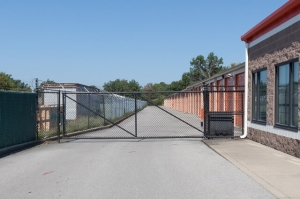 Image of Public Storage - Louisville - 7650 Dixie Hwy Facility on 7650 Dixie Hwy  in Louisville, KY - View 4