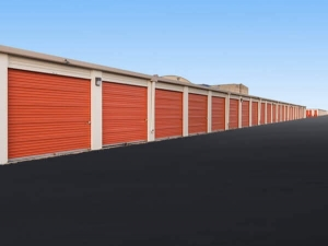 Image of Public Storage - Chicago - 7455 South Pulaski Road Facility on 7455 South Pulaski Road  in Chicago, IL - View 2