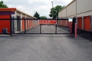 Image of Public Storage - Nashville - 6117 Charlotte Pike Facility on 6117 Charlotte Pike  in Nashville, TN - View 4