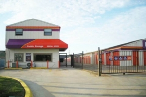 Image of Public Storage - Oklahoma City - 2120 NW 40th St Facility at 2120 NW 40th St  Oklahoma City, OK