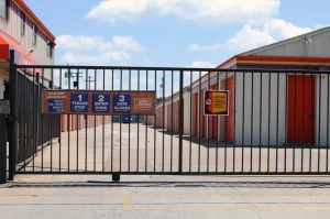 Image of Public Storage - Oklahoma City - 2120 NW 40th St Facility on 2120 NW 40th St  in Oklahoma City, OK - View 4