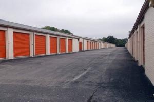 Image of Public Storage - Gladstone - 7707 N Oak Trafficway Facility on 7707 N Oak Trafficway  in Gladstone, MO - View 2