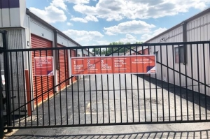 Public Storage - St Louis - 3940 Reavis Barracks Rd - Photo 4