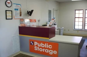 Image of Public Storage - Independence - 2700 M 291 Frontage Rd Facility on 2700 M 291 Frontage Rd  in Independence, MO - View 3