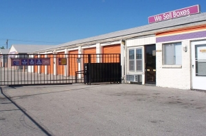 Image of Public Storage - Independence - 109 E 31st Street Facility at 109 E 31st Street  Independence, MO