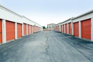Image of Public Storage - Schiller Park - 3902 River Road Facility on 3902 River Road  in Schiller Park, IL - View 2