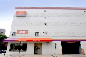 Image of Public Storage - Chicago - 1129 N Wells Street Facility at 1129 N Wells Street  Chicago, IL