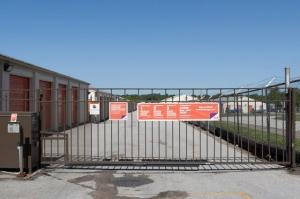 Image of Public Storage - Kansas City - 5601 E 112th Terrace Facility on 5601 E 112th Terrace  in Kansas City, MO - View 4