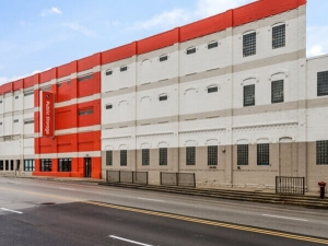Public Storage - Chicago - 1711 W Fullerton Ave - Photo 1