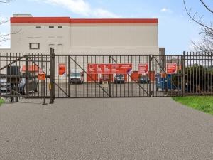 Image of Public Storage - Chicago - 1711 W Fullerton Ave Facility on 1711 W Fullerton Ave  in Chicago, IL - View 4