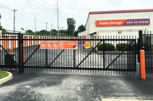 Image of Public Storage - St Louis - 9030 Watson Road Facility on 9030 Watson Road  in St Louis, MO - View 4