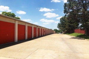 Image of Public Storage - St Louis - 9722 Gravois Road Facility on 9722 Gravois Road  in St Louis, MO - View 2