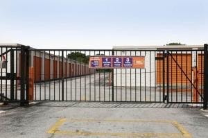 Image of Public Storage - Alsip - 12730 S Pulaski Road Facility on 12730 S Pulaski Road  in Alsip, IL - View 4