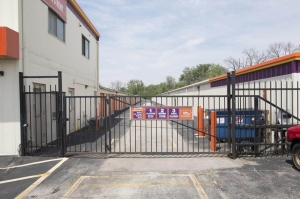 Image of Public Storage - St Charles - 4100 East Main Street Facility on 4100 East Main Street  in St Charles, IL - View 4