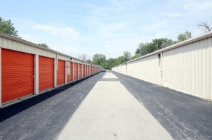 Image of Public Storage - St Charles - 4100 East Main Street Facility on 4100 East Main Street  in St Charles, IL - View 2