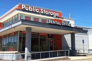 Image of Public Storage - St Louis - 8691 Olive Blvd Facility at 8691 Olive Blvd  St Louis, MO