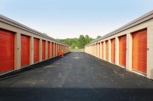 Image of Public Storage - Calumet City - 2004 Dolton Ave Facility on 2004 Dolton Ave  in Calumet City, IL - View 2