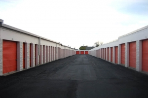Image of Public Storage - Vadnais Heights - 1090 S Birch Lake Blvd Facility on 1090 S Birch Lake Blvd  in Vadnais Heights, MN - View 2