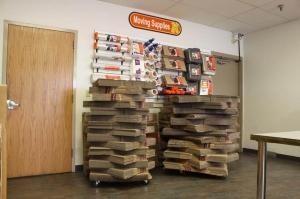 Image of Public Storage - Minneapolis - 3245 Hiawatha Ave S Facility on 3245 Hiawatha Ave S  in Minneapolis, MN - View 3