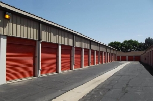 Image of Public Storage - Denver - 2190 S Federal Blvd Facility on 2190 S Federal Blvd  in Denver, CO - View 2