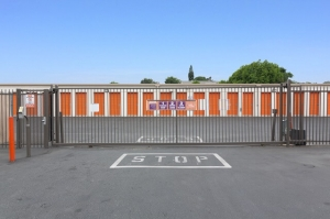 Image of Public Storage - Los Angeles - 4889 Valley Blvd Facility on 4889 Valley Blvd  in Los Angeles, CA - View 4