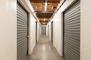 Public Storage - Los Angeles - 1702 S San Pedro Street - Photo 2