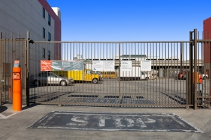 Public Storage - Los Angeles - 1702 S San Pedro Street - Photo 4
