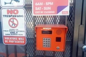Public Storage - Los Angeles - 2370 Colorado Blvd - Photo 5