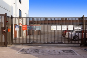 Image of Public Storage - North Hollywood - 5410 Vineland Ave Facility on 5410 Vineland Ave  in North Hollywood, CA - View 4