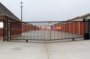 Image of Public Storage - Oklahoma City - 6814 NW 122nd St Facility on 6814 NW 122nd St  in Oklahoma City, OK - View 4