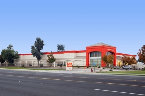 Public Storage - Santa Ana - 4501 W MacArthur Blvd - Photo 1