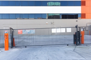 Image of Public Storage - Inglewood - 10100 S La Cienega Blvd Facility on 10100 S La Cienega Blvd  in Inglewood, CA - View 4