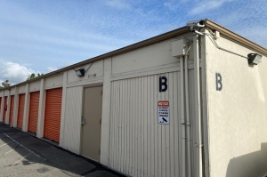 Image of Public Storage - Kent - 27000 Pacific Highway S Facility on 27000 Pacific Highway S  in Kent, WA - View 2