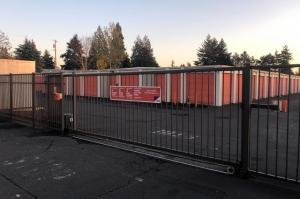 Image of Public Storage - Vancouver - 9901 SE Mill Plain Blvd Facility on 9901 SE Mill Plain Blvd  in Vancouver, WA - View 4