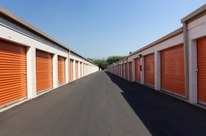 Image of Public Storage - Los Angeles - 3810 Eagle Rock Blvd Facility on 3810 Eagle Rock Blvd  in Los Angeles, CA - View 2
