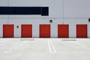 Public Storage - Los Angeles - 5570 Airdrome Street - Photo 2