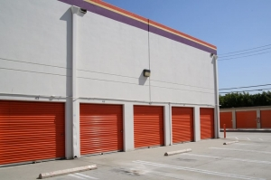 Public Storage - Los Angeles - 3770 Crenshaw Blvd - Photo 2